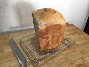 ホームベーカリーで作ったくるみ入りパン